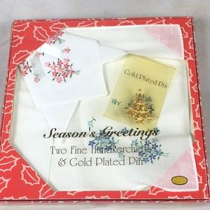 Vintage Christmas Set Gold Plated Tree Pin Hankies